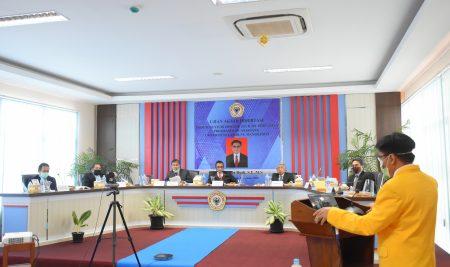 SIDANG DISERTASI MAHASISWA ULM DIUJI PROFESOR LUAR NEGERI
